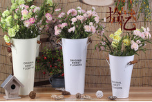 Decorative tall floor standing tin metal flower vase flower pot with wood handle