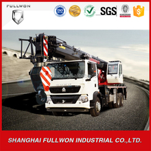 Widely used SINOTRUK-HIAB telescope type mobile crane 30 ton lifting