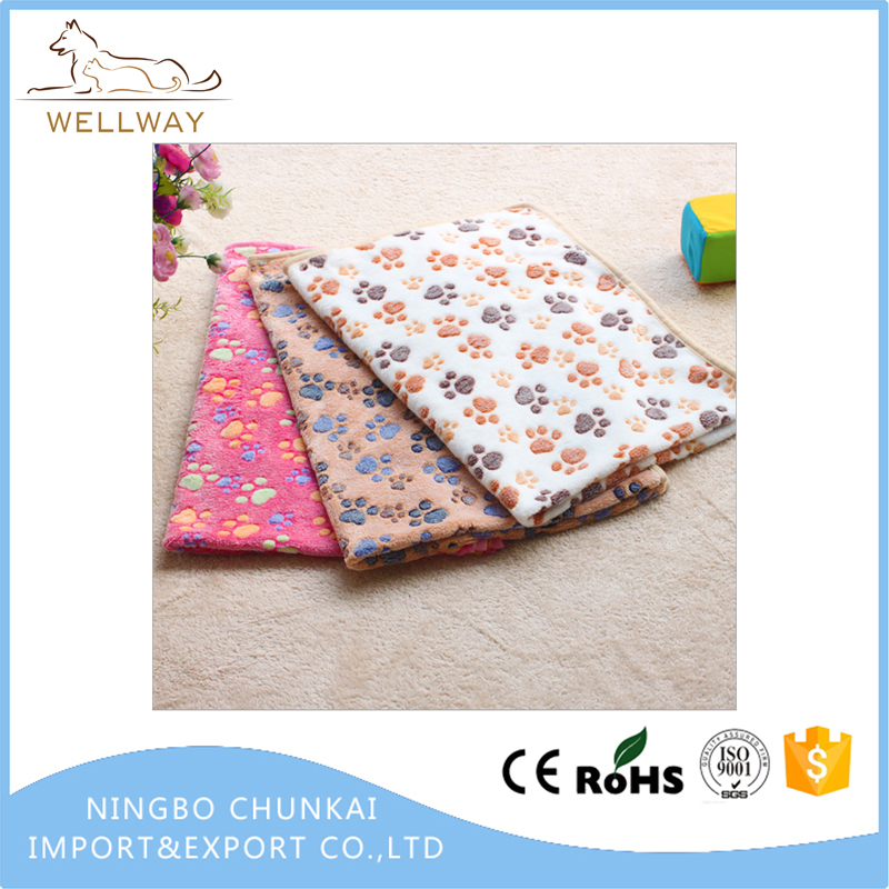 Soft Warm Fleece Throw Blanket with Paw Prints for Pet Beds Dog Cat House Cushion