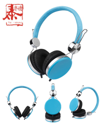 Fashion retractable wired stereo headphone with micphone and speaker