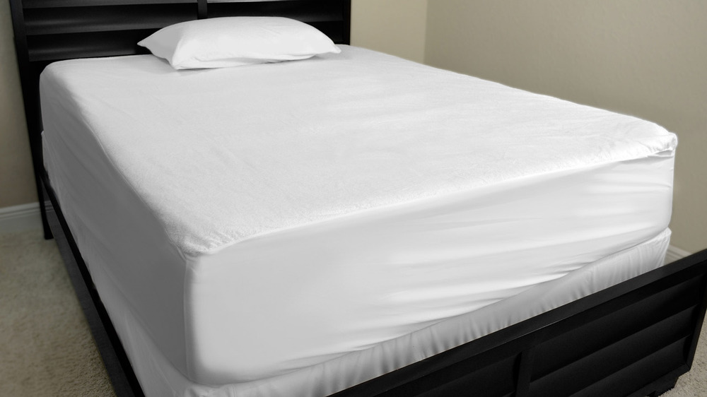 200 thread count plain white queen fitted sheet buy king size fitted sheets queen size fitted. Black Bedroom Furniture Sets. Home Design Ideas