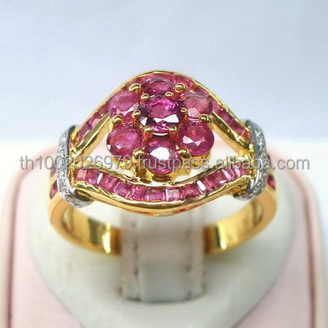 Cute Ruby Ring with Diamonds.