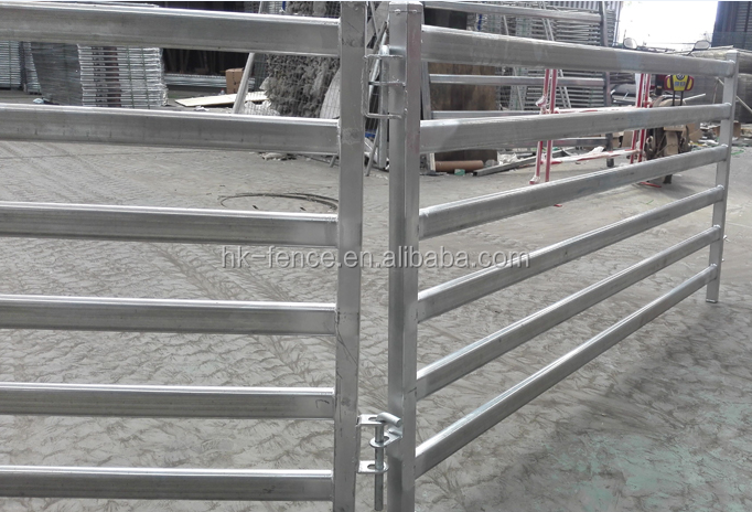 hot-dipped galvanized 1.8*2.1 m oval pipe ranch horse corral fence