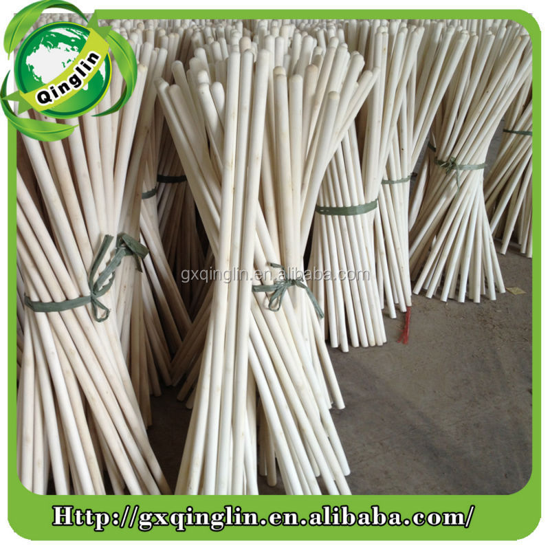 Durable and straight eucalyptus natural broom handle