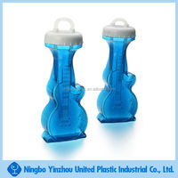Violin shaped plastic sport water sipper bottle