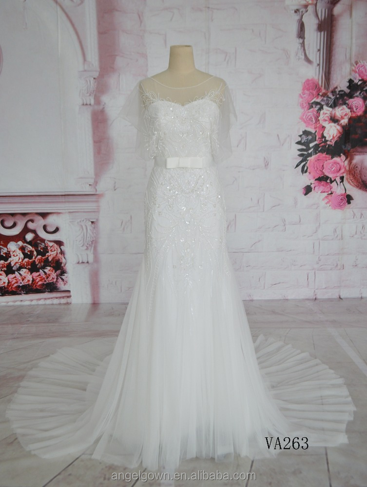 2014 open back lace wedding dress spaghetti strap bridal dress with very long tail