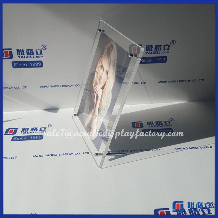 Wholesale Clear YAGELI-PFA4001 a4 acrylic frame acrylic frameless picture frame moving photo picture frame
