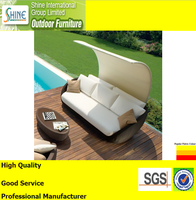 Outdoor Furniture luxury beach chair for garden furniture, wholesale cheap daybed with sunshade, glass table top