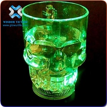 Hot sales plastic skull cup Acrylic Halloween LED light up party decoration skull plastic cup for sale