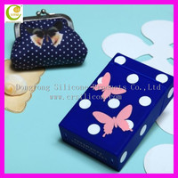 Smart factory new creative OEM design beautiful pink color silicone cigarette cases for women 2014