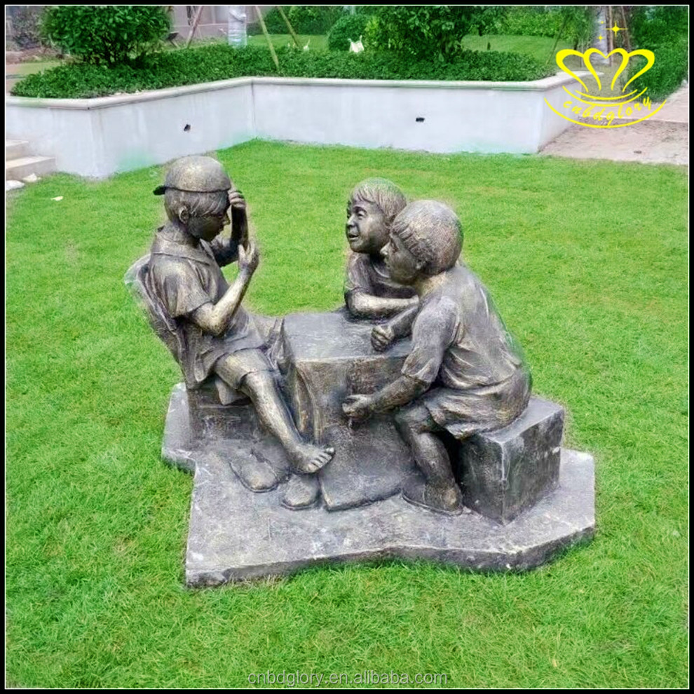 Outdoor garden decor Playing the game life size bronze child sculpture For Sale