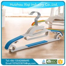 Guangdong cheap plastic hanger/ plastic hangers and plastic clothes hangers