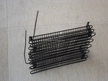 Co2 wire and tube refrigerator condenser and evaporator coil