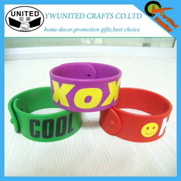 Wholsale customized logo silicone slap bracelet