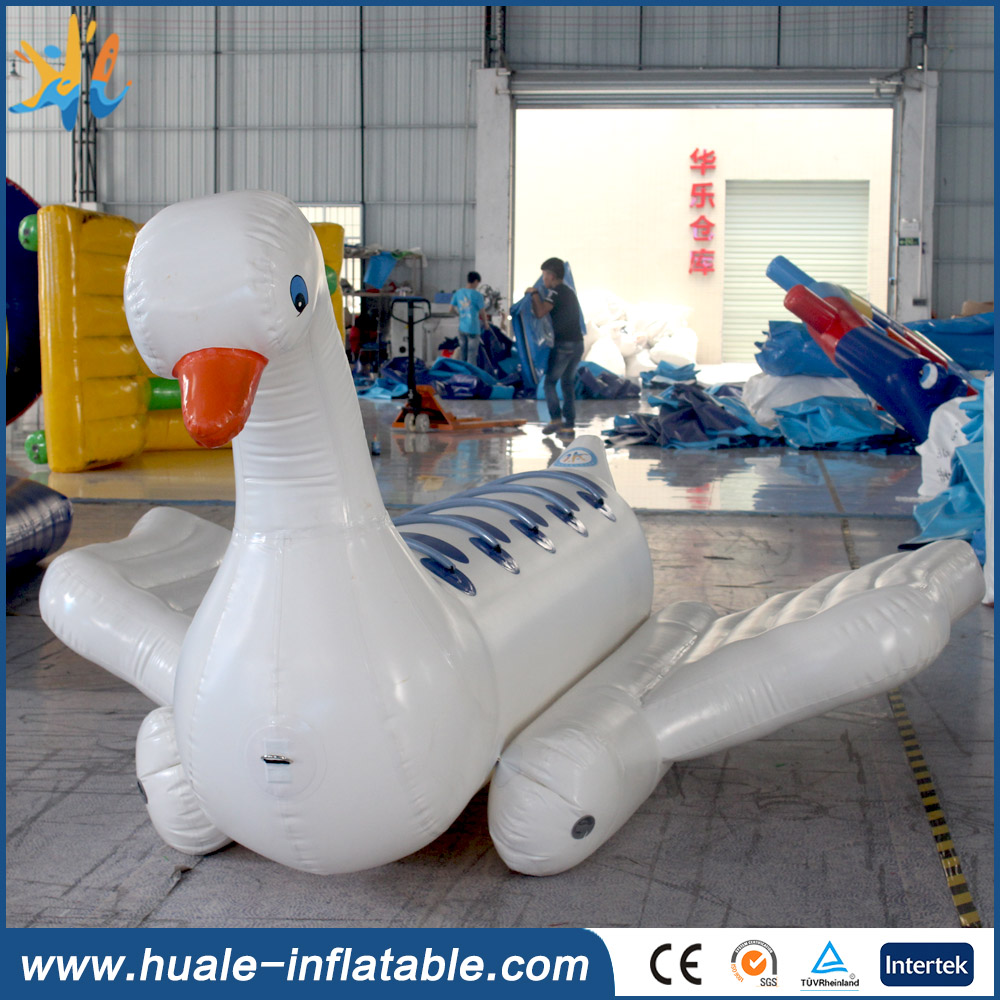 inflatable giant swimming swan float inflatable pool toy for sale