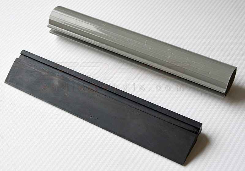 A74B-23cm black rubber turbo squeegee with straight coner