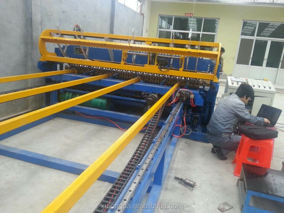 high quality welded wire mesh making mechine