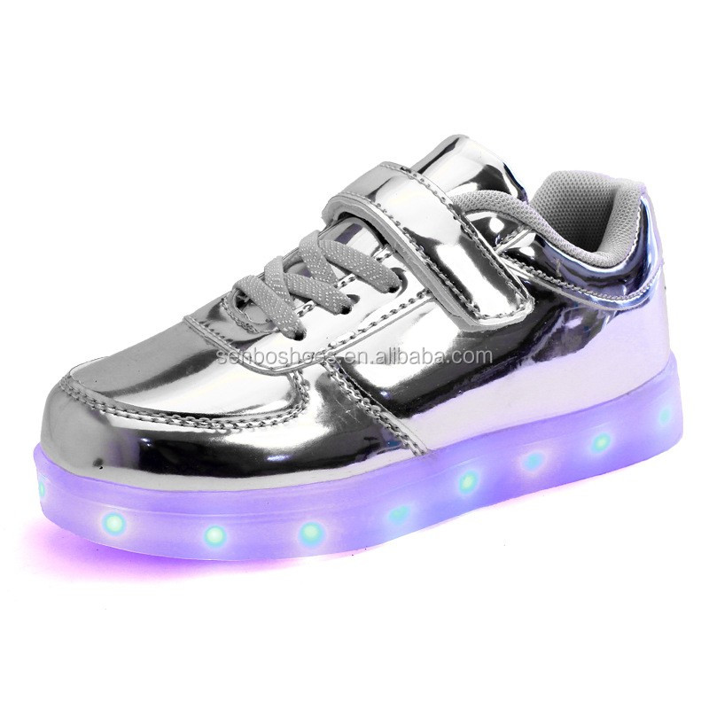 2017 new with Children's shoes metal lights shoes led light up dance adult Children's led shoes for kids