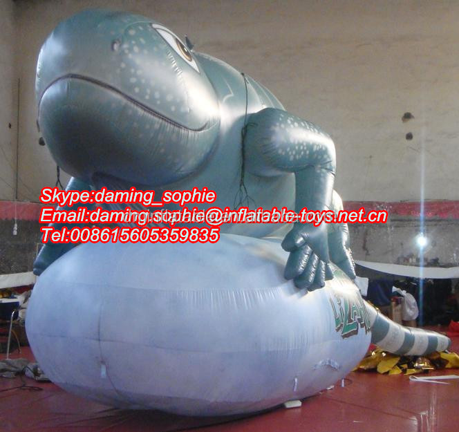 Promotional inflatable lizard replica for outdoors show