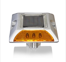 Reflective Solar Power Kit Aluminium Road Stud with Anchor LED Manufacturer Amber Light