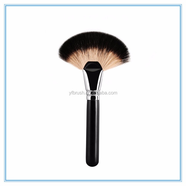 Premium single fan shape clearing dust makeup brush with goat hair
