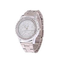 2016 Fashion gold geneva watch with stone