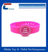 free rubber bracelets for events