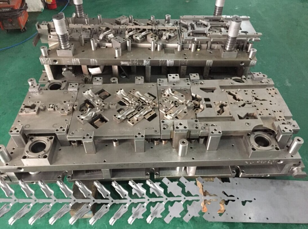 Stamping mould /die for electronical productions