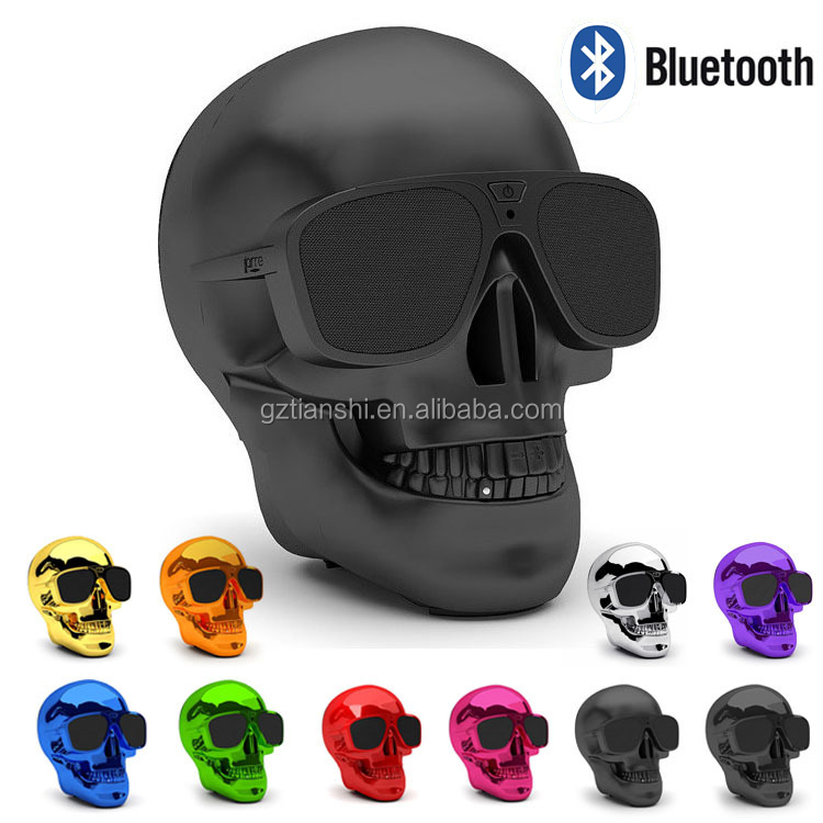 Hot Selling Halloween Mini Bluetooth Speaker Audio Cable Support Stereo Skull Bluetooth Speaker
