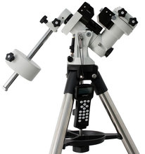 Auto tracking equatorial mount for astronomical telescope ZEQ25