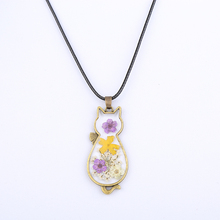 2020 Fashion Real Flower Accessories Retro Long Chain Cat Shape Resin Pendant <strong>Necklace</strong>
