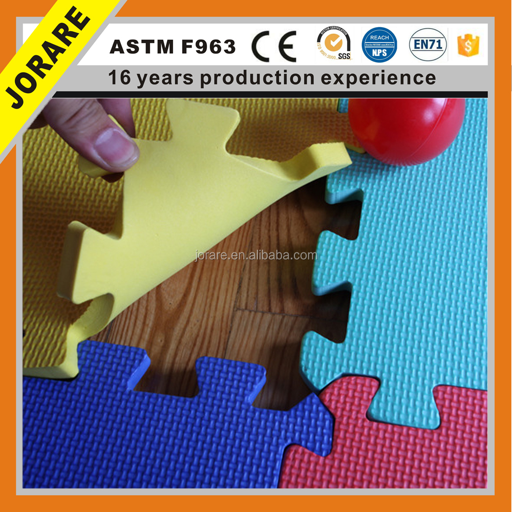 colorful jigsaw puzzle mat