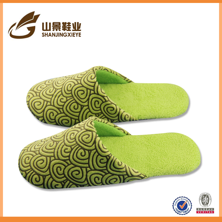 ladies fashion slipper latest style suit winter dot slipper
