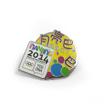 soft enamel cheap sports meeting badges wholesale