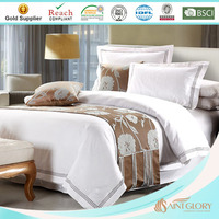 white embroidered 100 polyester hotel quilt / duvet / comforter