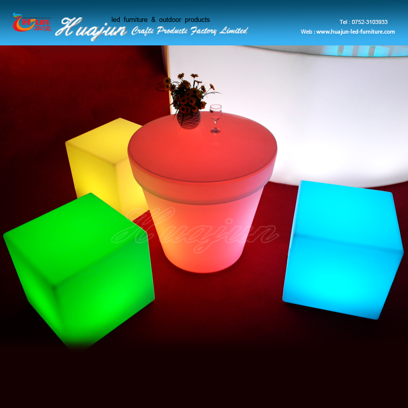 Glow kid chair/plastic cube seating /illuminated party chair