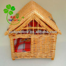 Wicker dog house , willow per carrier (factory provide)