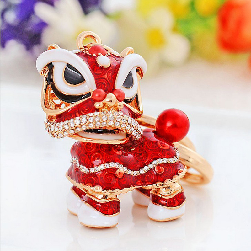 Wholesale creative Chinese wind dance lion unicorn alloy key chain