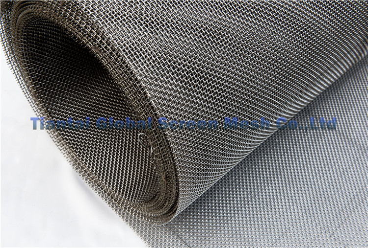 Good Quality 0.5-3mm Wire Diameter high flexibility security square galvanized wire mesh fence