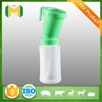 Molded-in Hook Type Teat Dip Cup , Non-Return Teat Dipper
