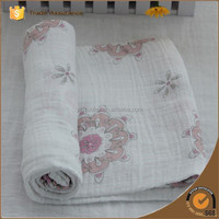 2015 new arrival design muslin swaddle cotton baby blanket fabric
