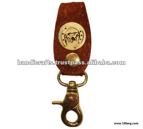 KEY HOLDER IN CAPYBARA LEATHER WITH CHARM