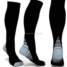 2018 new arrivals compression socks hottest in the amzon for men and women to running ,recovrey fancy compression socks