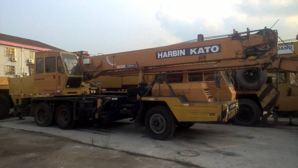 16 ton original japan nk160e used kato truck crane