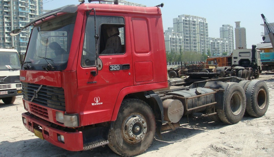 320HP Volvo Used Truck Tractor Head FL10 For Sale