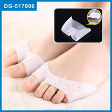Open toe Gel Silicon White Toe separate cover with holes, toe separating cover