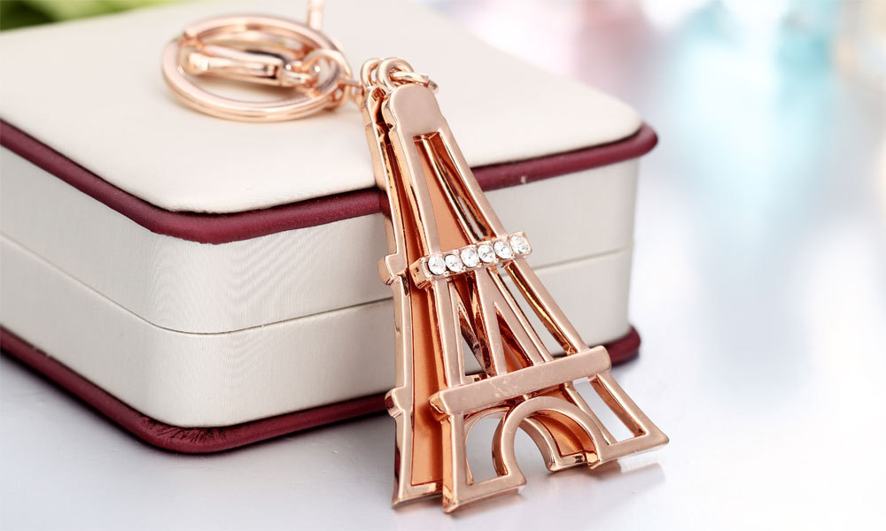 Wholesale Eiffel tower metal keychain