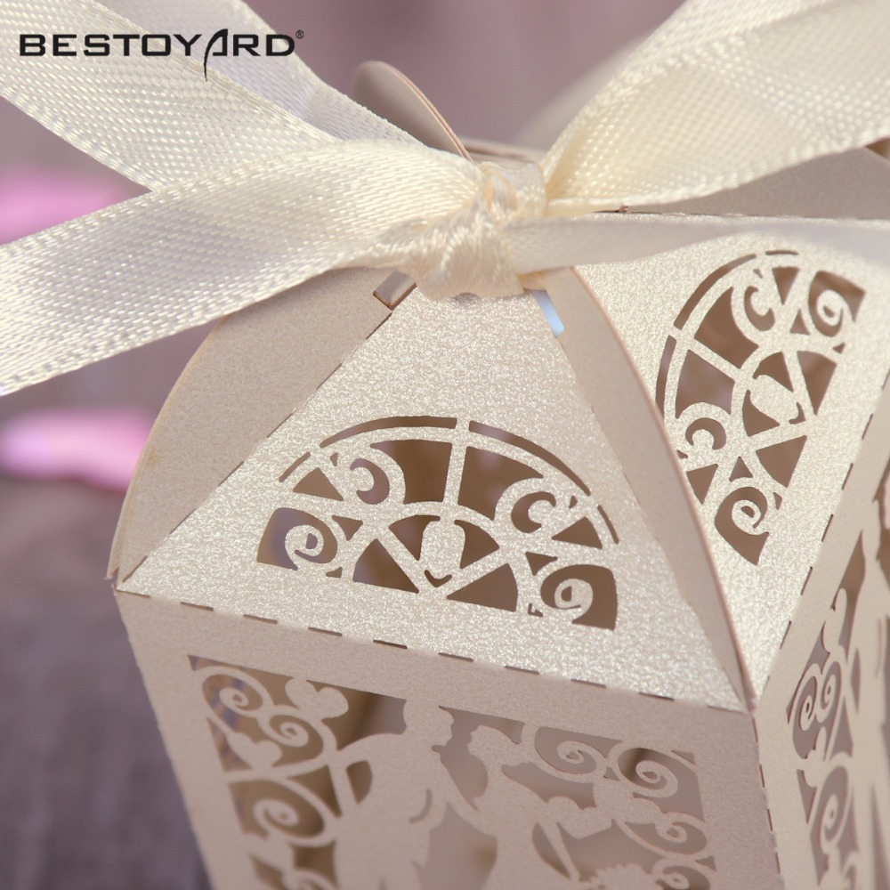 50pcs-Couple-Design-Luxury-Lase-Cut-Wedding-Sweets-Candy-Gift-Favour-Boxes-with-Ribbon-Table-Decorations
