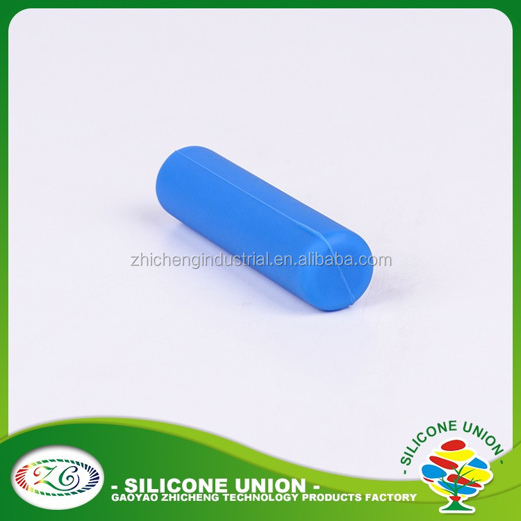 2018 New arrival silicone rubber pen container