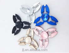 Hand Spinner Factory Manufacturer Aluminium Alloy Three Leaves Metal Spinner